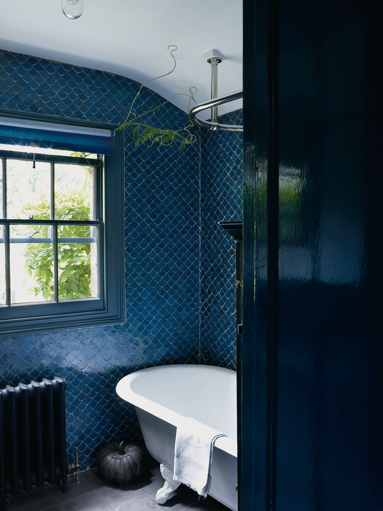 Fish Scale Tiles, An Unusual Choice For Homes With Personality