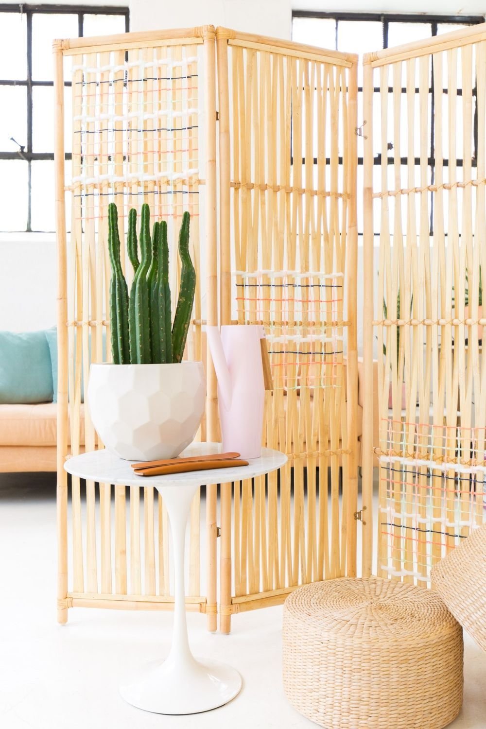 stunning folding screens which easily double as home decorations. Black Bedroom Furniture Sets. Home Design Ideas