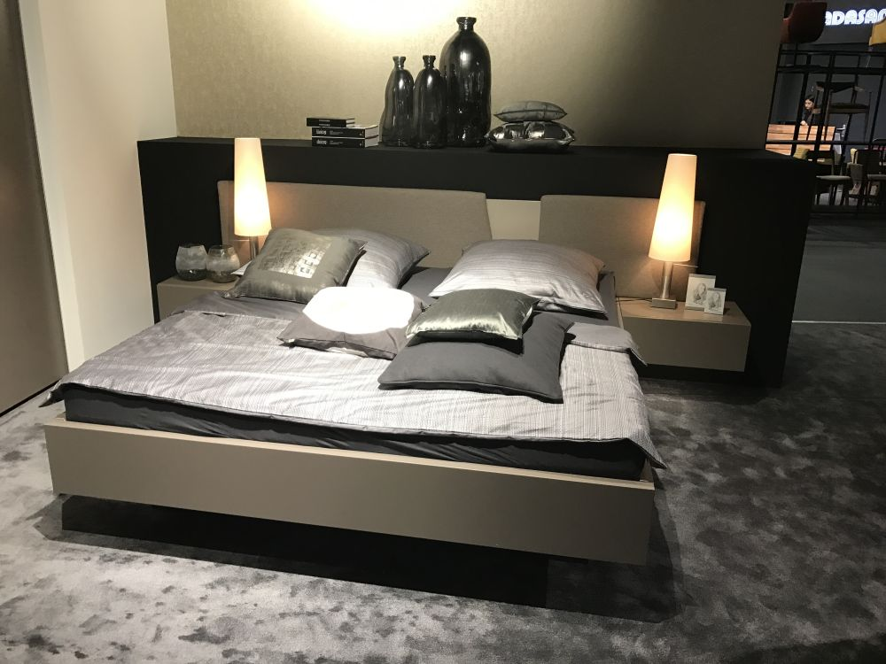Floating Beds - The Simple And Refined Choice For Modern