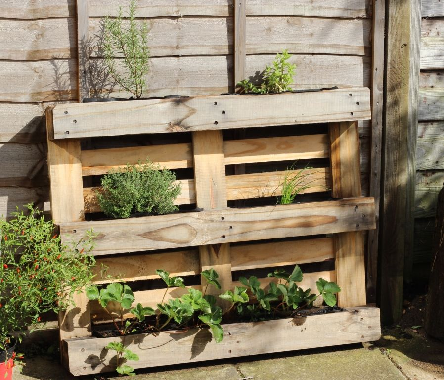 15 Simple Ways To Build A Pallet Planter