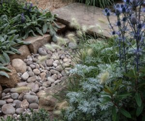 Good If You Want To Add Some Warmth To Your Garden Or To Make Your Backyard Seem  More Inviting, Use Beach Pebbles Or River Rocks. They Create This Casual,  ...