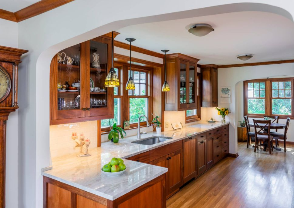 Pintu lemari dapur