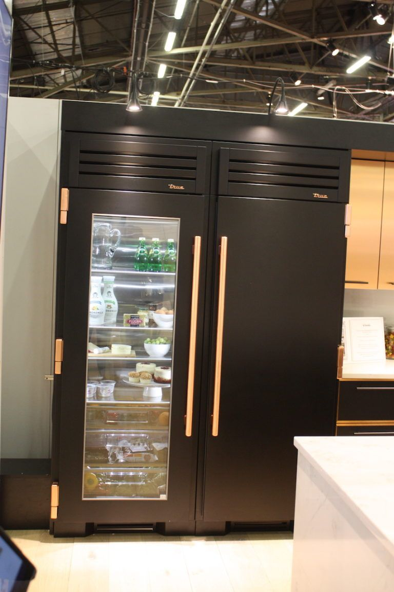 Kitchen trends and innovations make cooking living more fun for Matte black kitchen doors