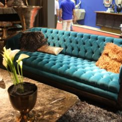 Tufted sofa with bold colors for a perfect mood decor