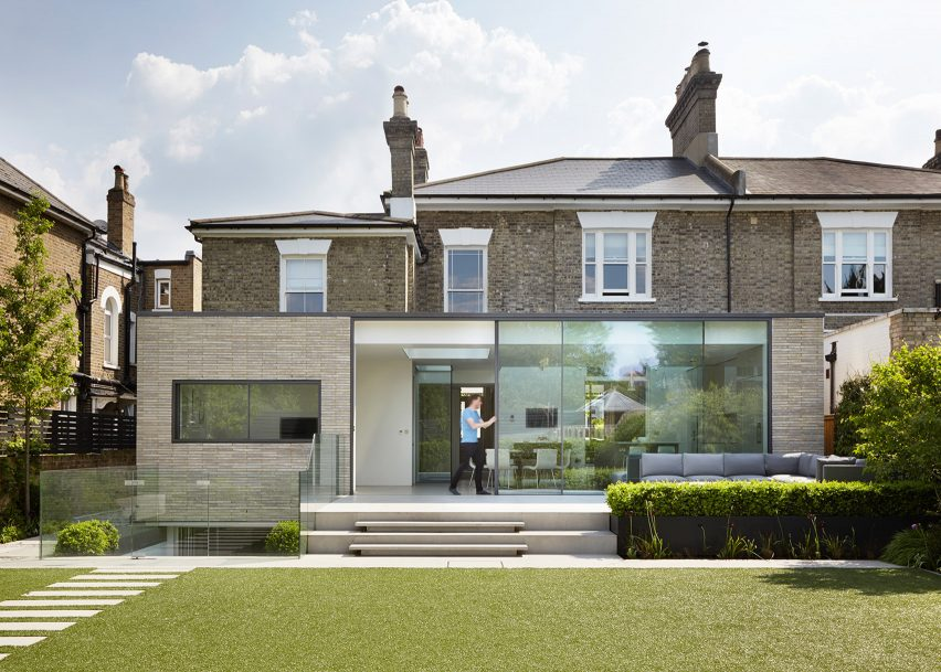 London house extensions reveal the line between old and new healthy home cleaners - Modern deco in oud huis ...