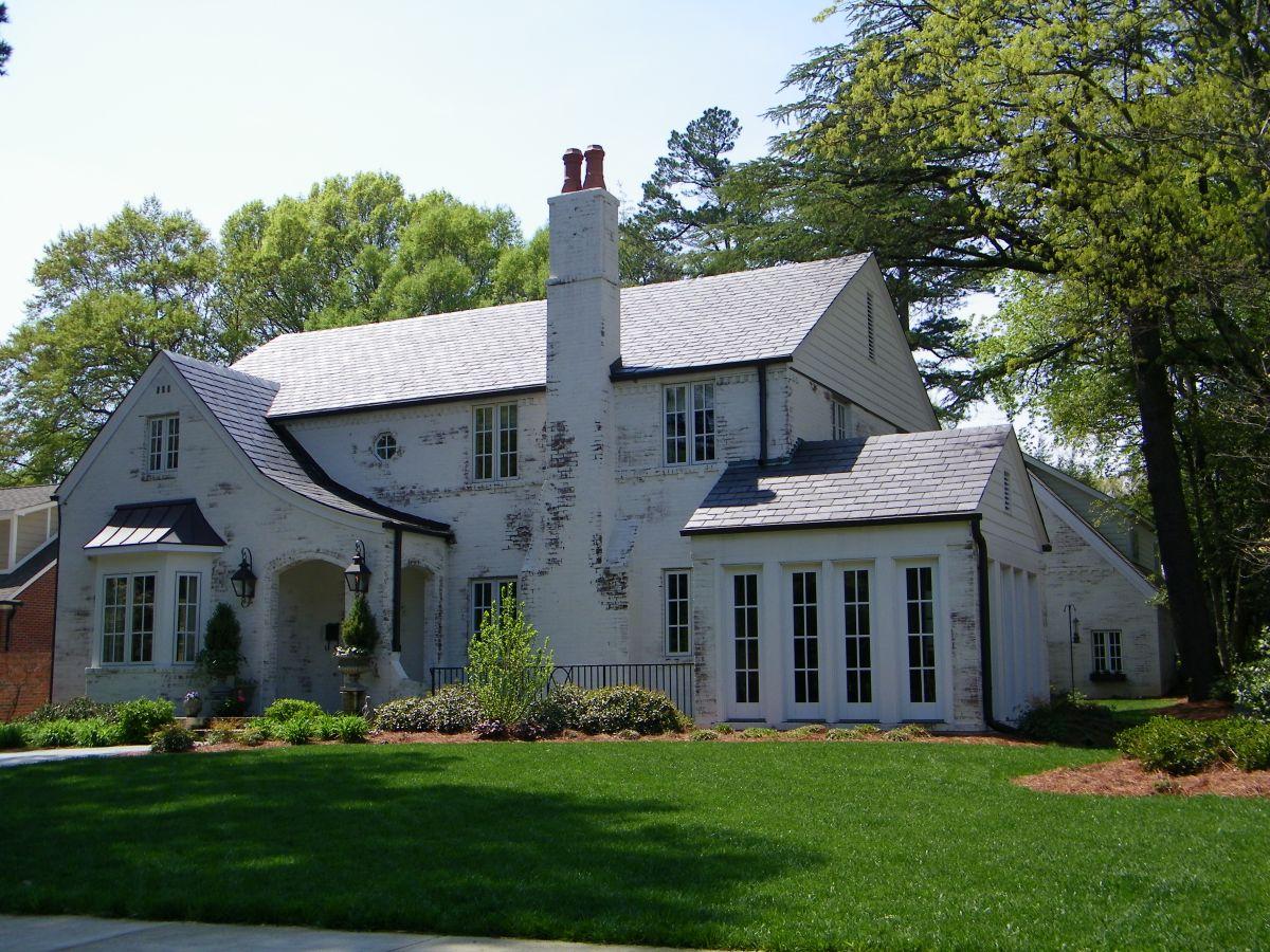 20 White Brick Exterior Walls To Envy