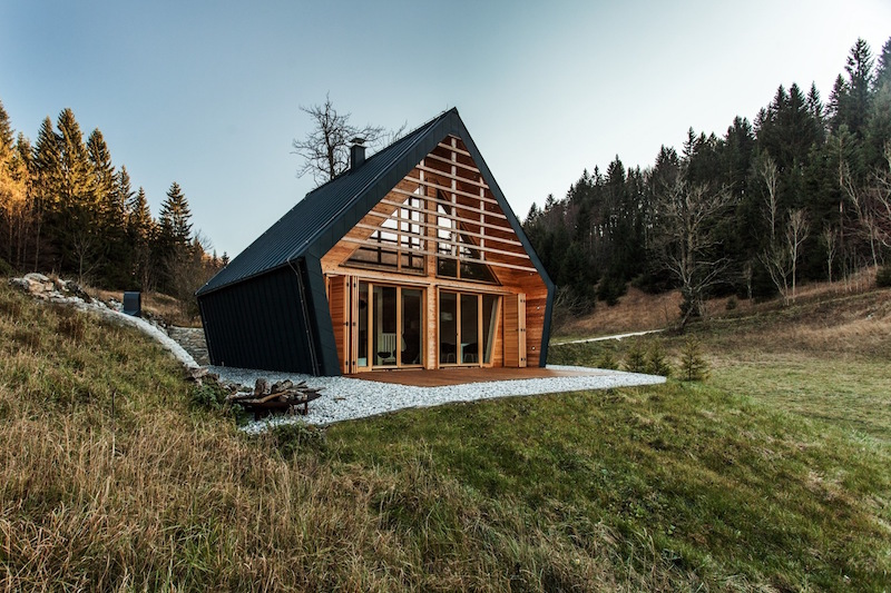 Cozy Wooden House Offers Shelter In A Large Forest Clearing - Cozy wooden house