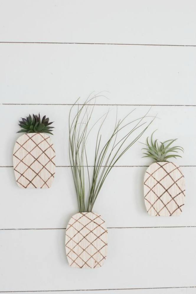 View in gallery  sc 1 st  Homedit & 12 DIYs to Get Air Plants On Your Wall