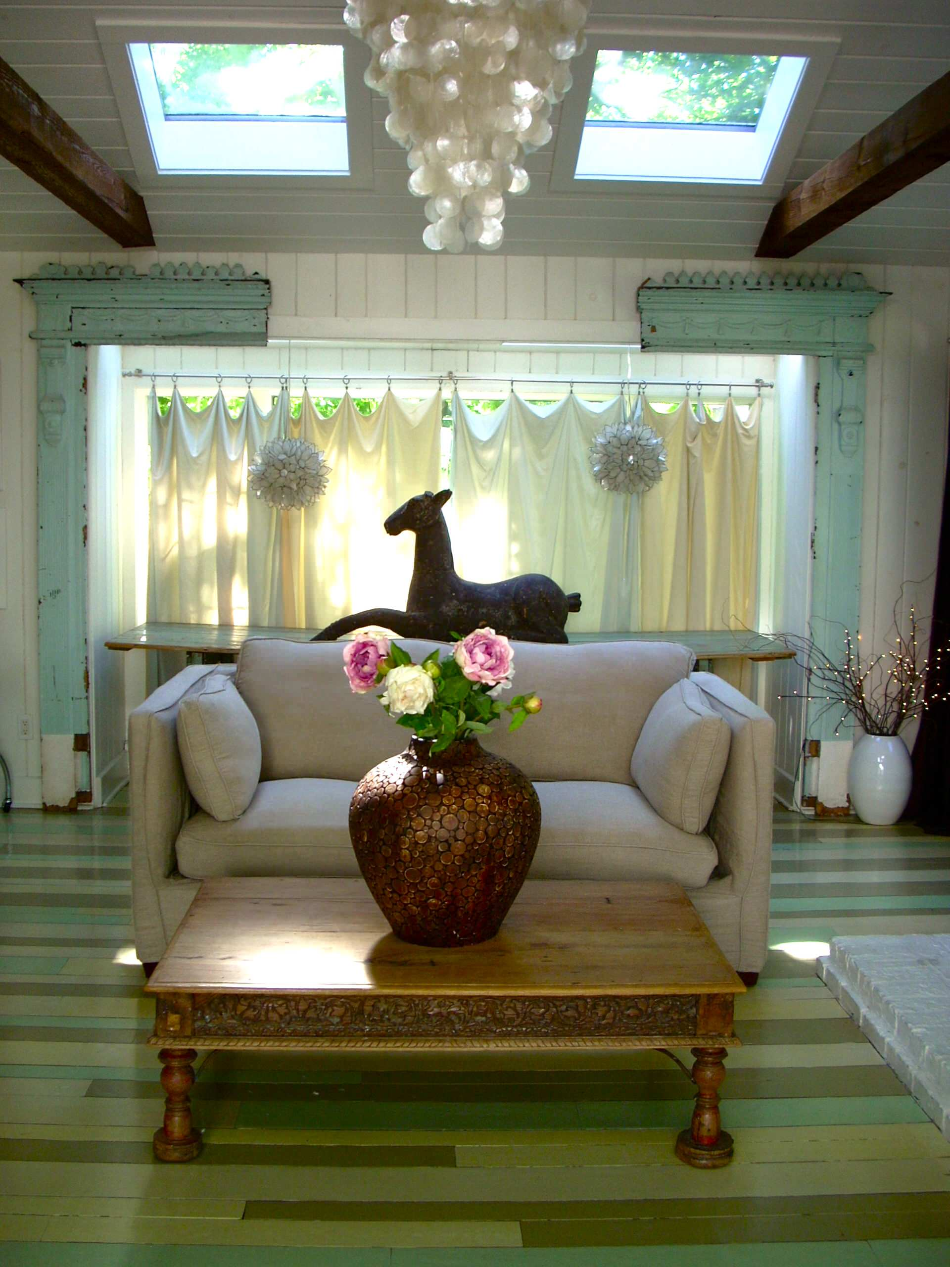 Ways To Fill Empty Corners With Floor Vases Healthy Home Cleaners - Clear glass floor vases