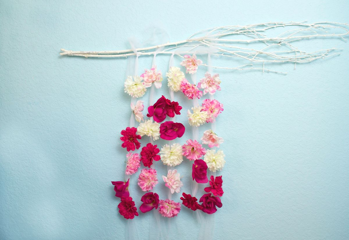 Diy Wall Flowers: Floral Wall Hanging DIY Decor