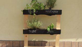 How to Make Pallet Herb Garden