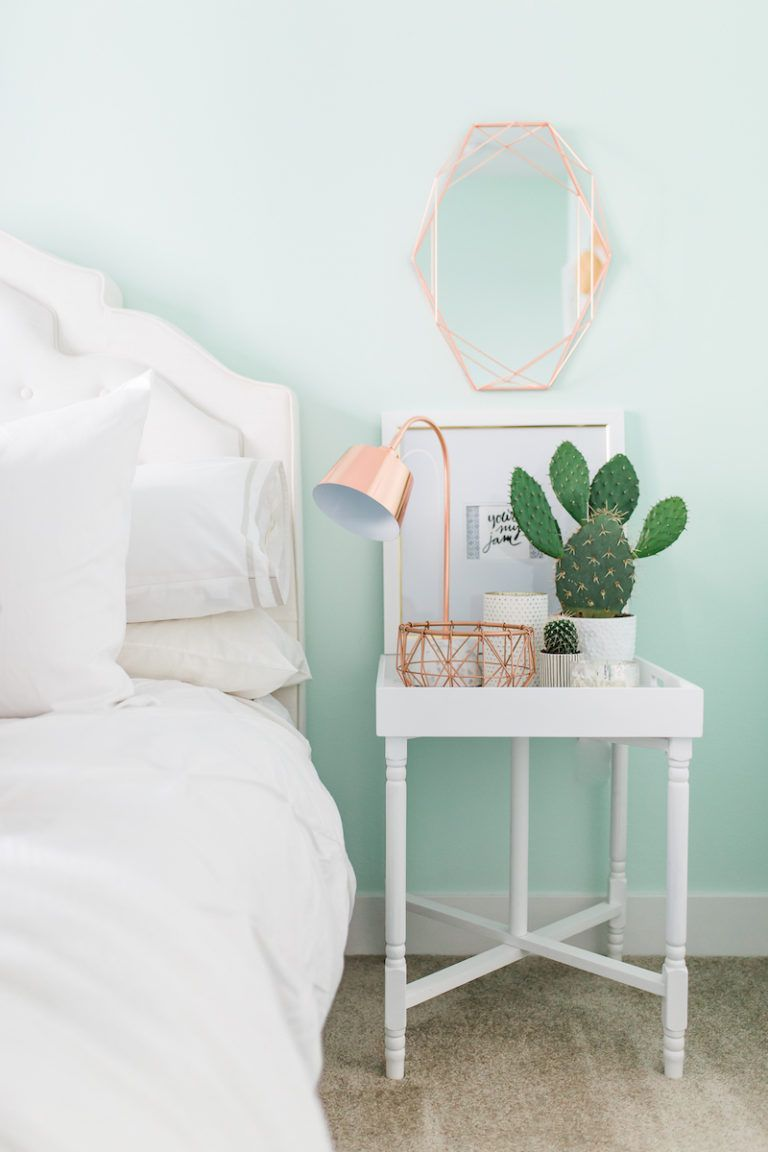The case to paint your whole house mint green for Mint green bedroom ideas