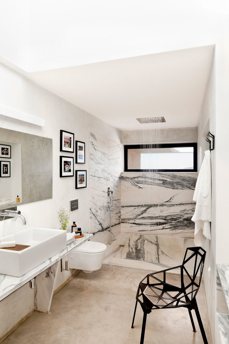 Beautiful Marble Shower Designs And The Decors That Surround Them