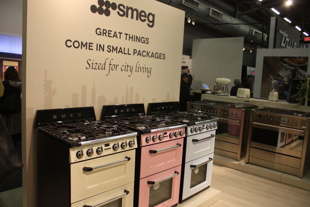 A Lot Of Smeg Appliances Come In Beautiful Colors Such As These Soft Pastels