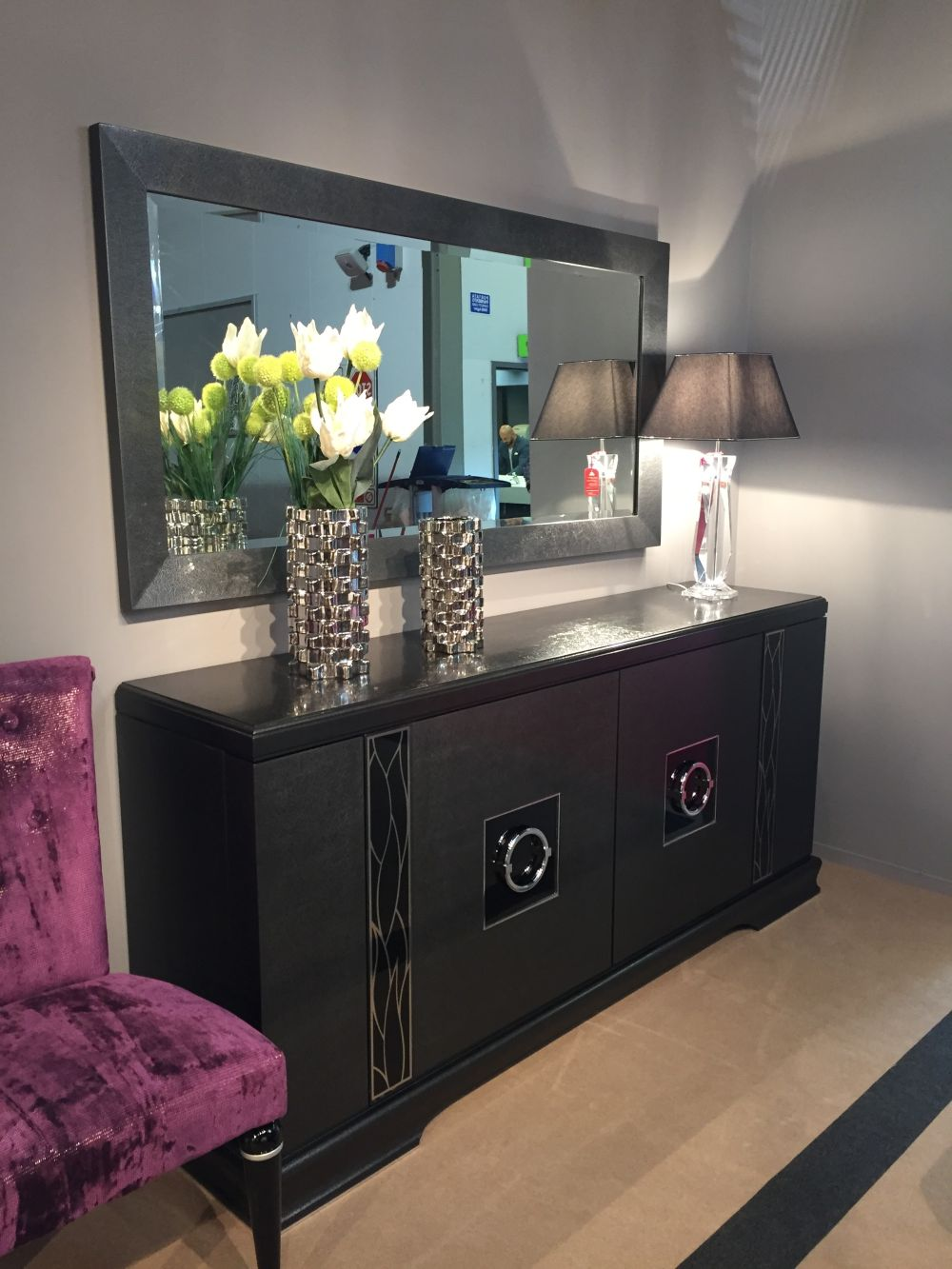 How To Expand And Emphasize A Space With Decorative Mirrors