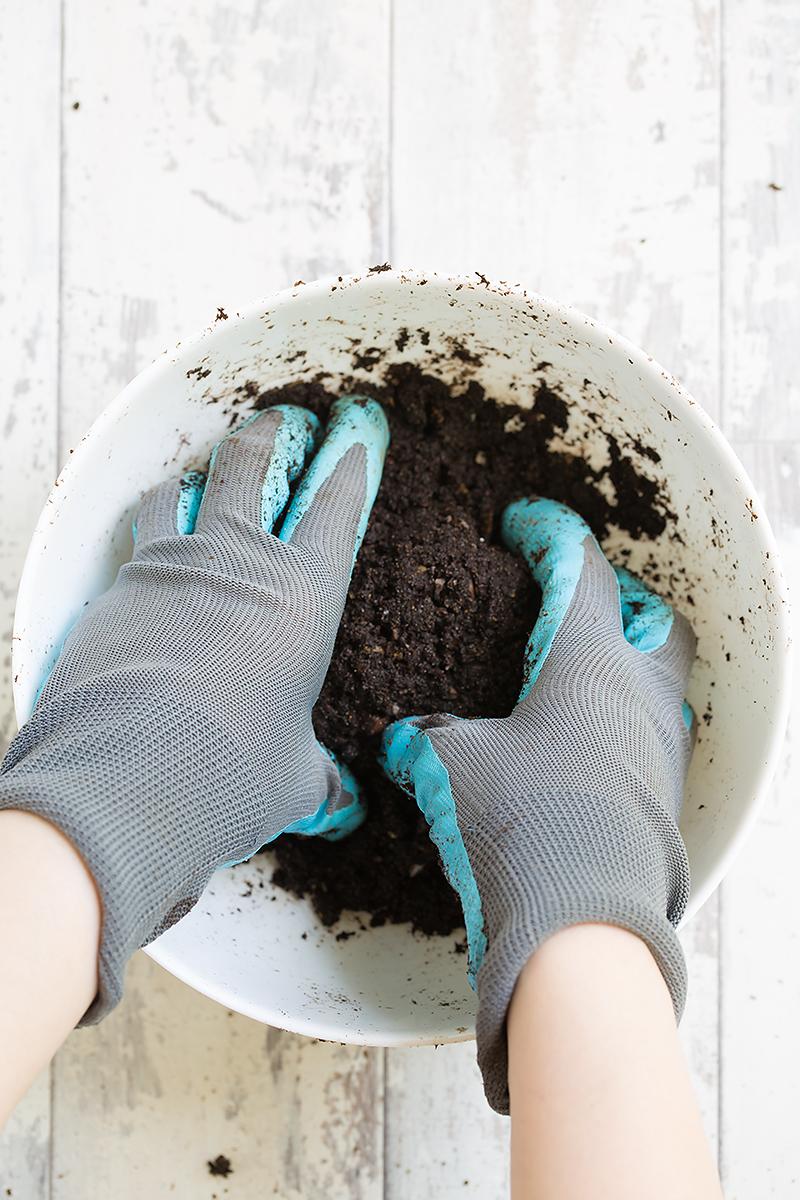 kokedama mixing soil
