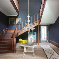 British Home Foyer Design