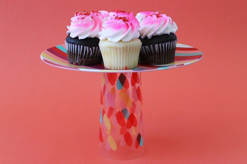Cake stand from soda glasses