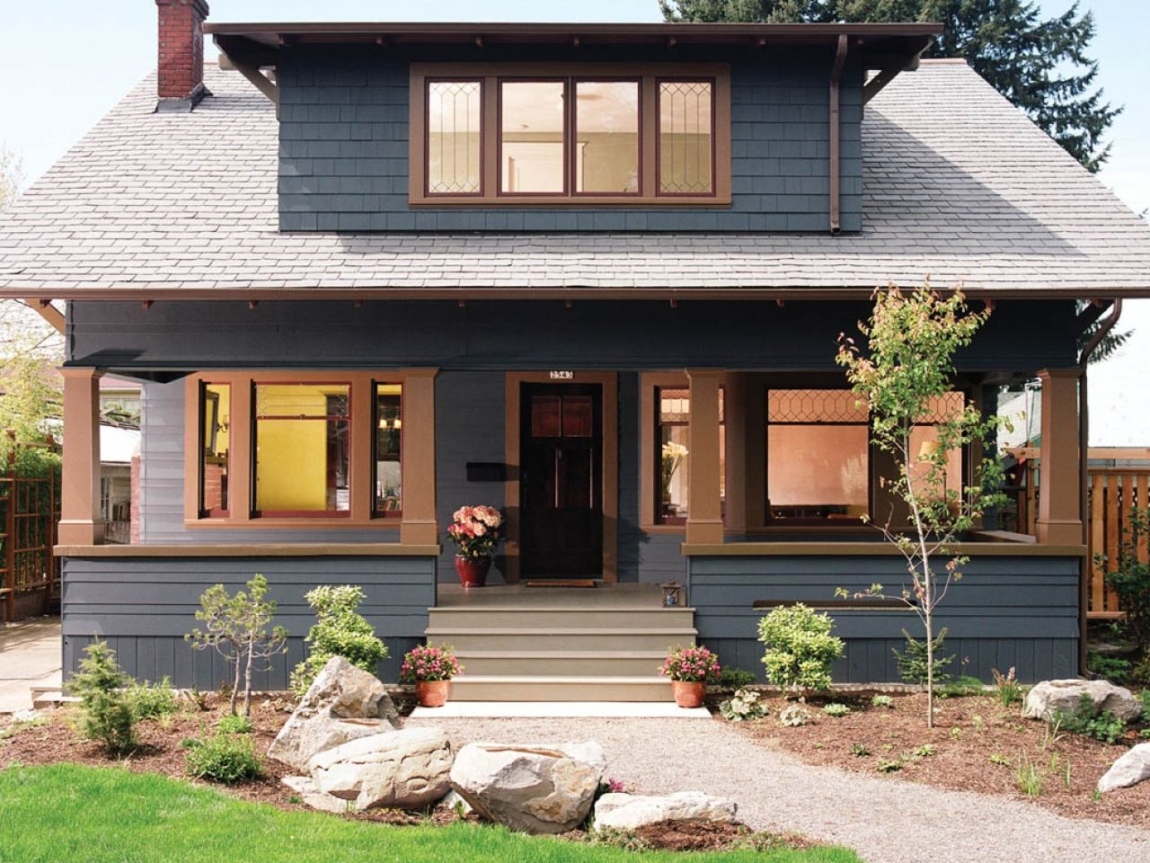 50 house colors to convince you to paint yours for Craftsman exterior color schemes