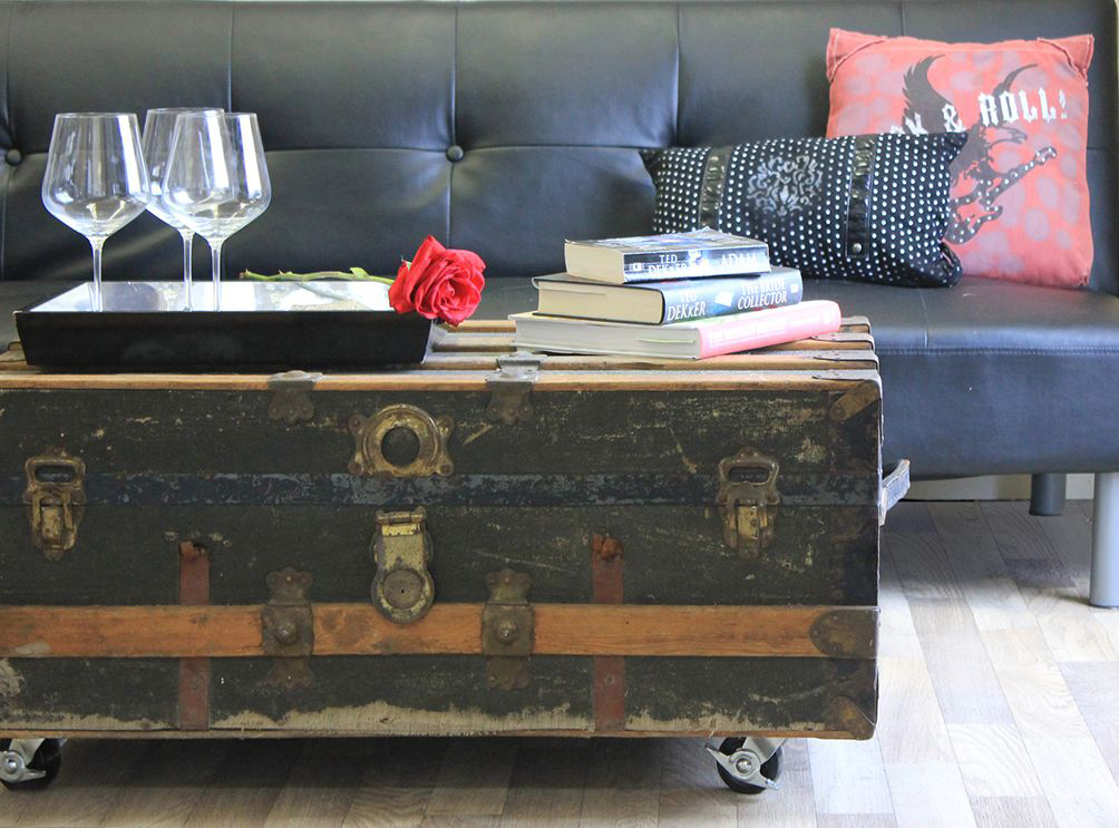Phenomenal 10 Coffee Tables On Wheels To Diy Evergreenethics Interior Chair Design Evergreenethicsorg