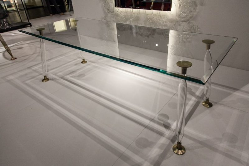 Glass Dining Tables – Looking Light And Stylish No Matter What