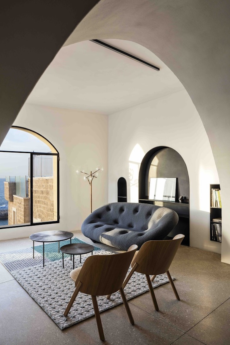 Historic Apartment With A Cave-Like Interior And Views Of The Sea