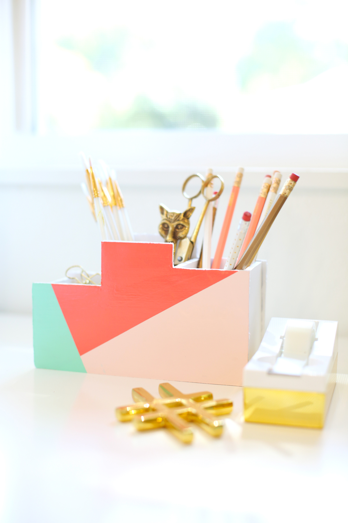 Modern Desk Organizers boost your efficiency at work with these diy desk organizers