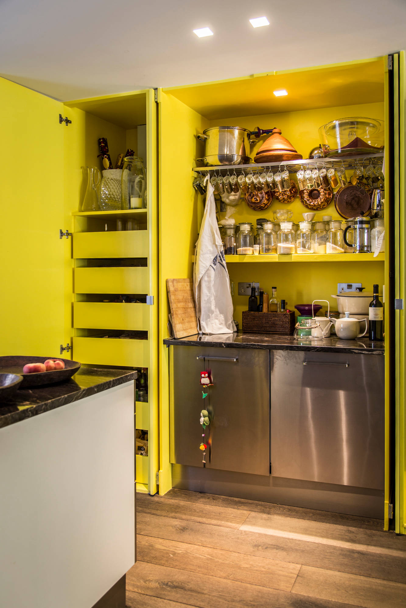 100 beautiful kitchens to inspire your kitchen makeover for Modern yellow kitchen cabinets
