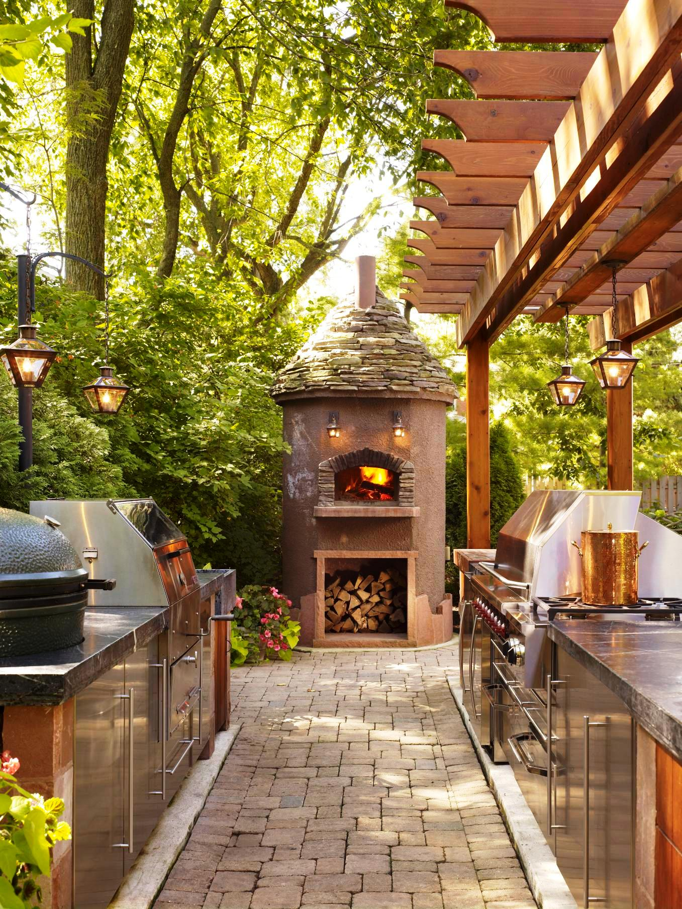 Outdoor Kitchen designs - A Great Way To Enjoy A Beautiful Day