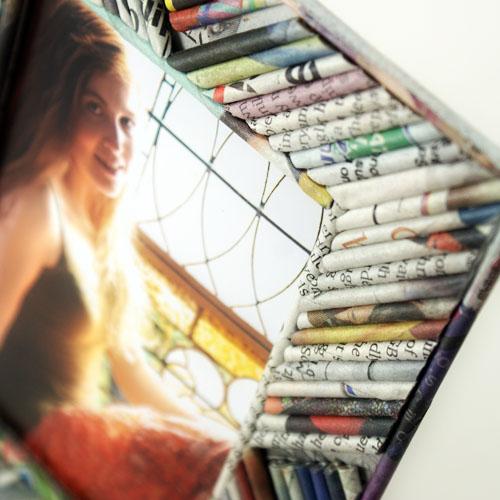 DIY picture frame Rolled Newspaper Frame