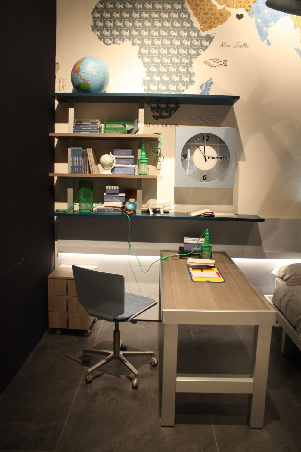 ... Itu0027s Important For A Desk To Look Good But Also To Be Strong And Sturdy,
