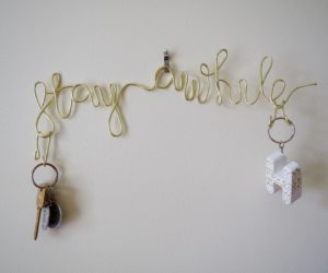 Simple Stay Awhile – Wire Key Holder DIY