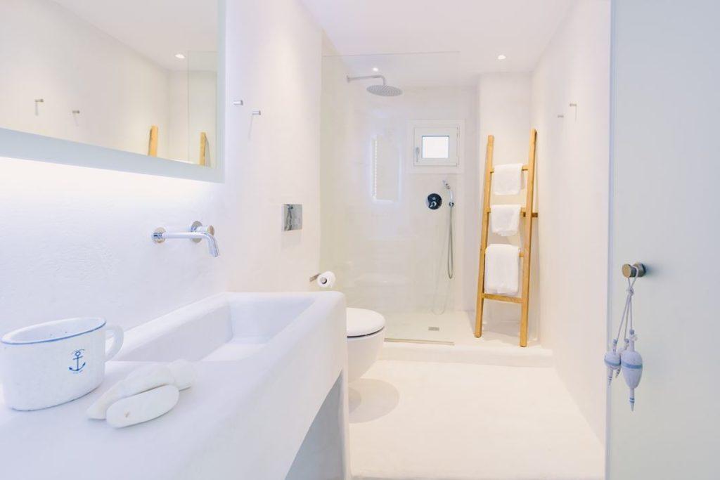 Clean white bathroom design