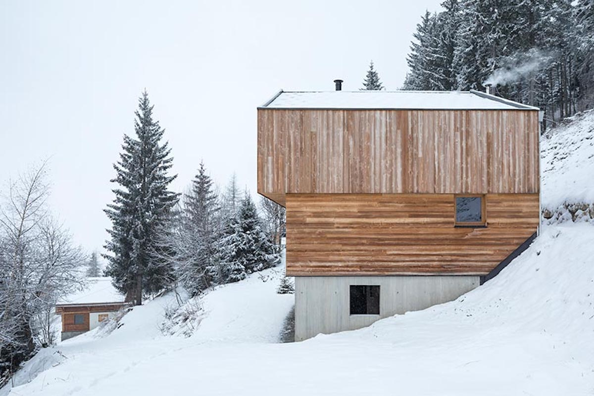 Structurally speaking, the building is composed of two elements: a concrete base and a wooden volume