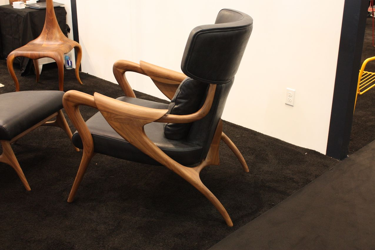 The combination of leg styles is very cool.
