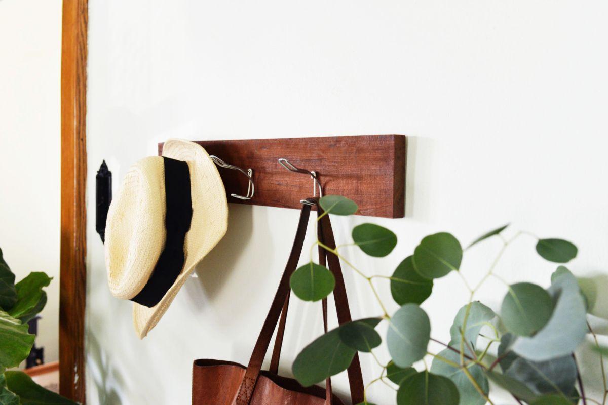 Diy Rustic Hanging Coat Rack