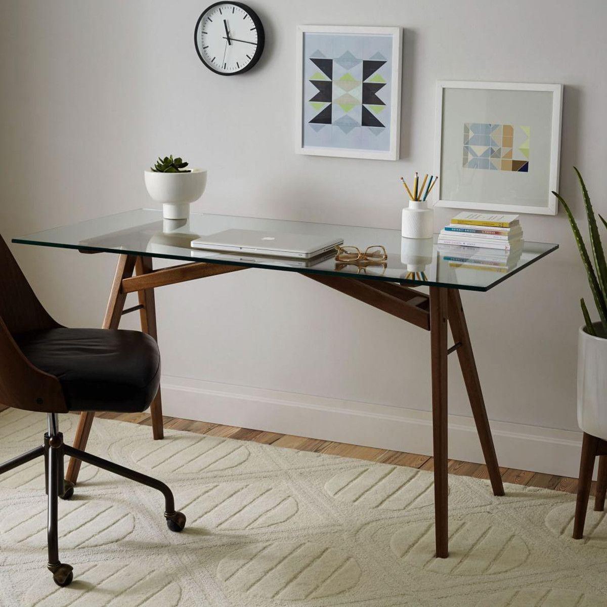 glass top desks bring style into the workspace. Black Bedroom Furniture Sets. Home Design Ideas