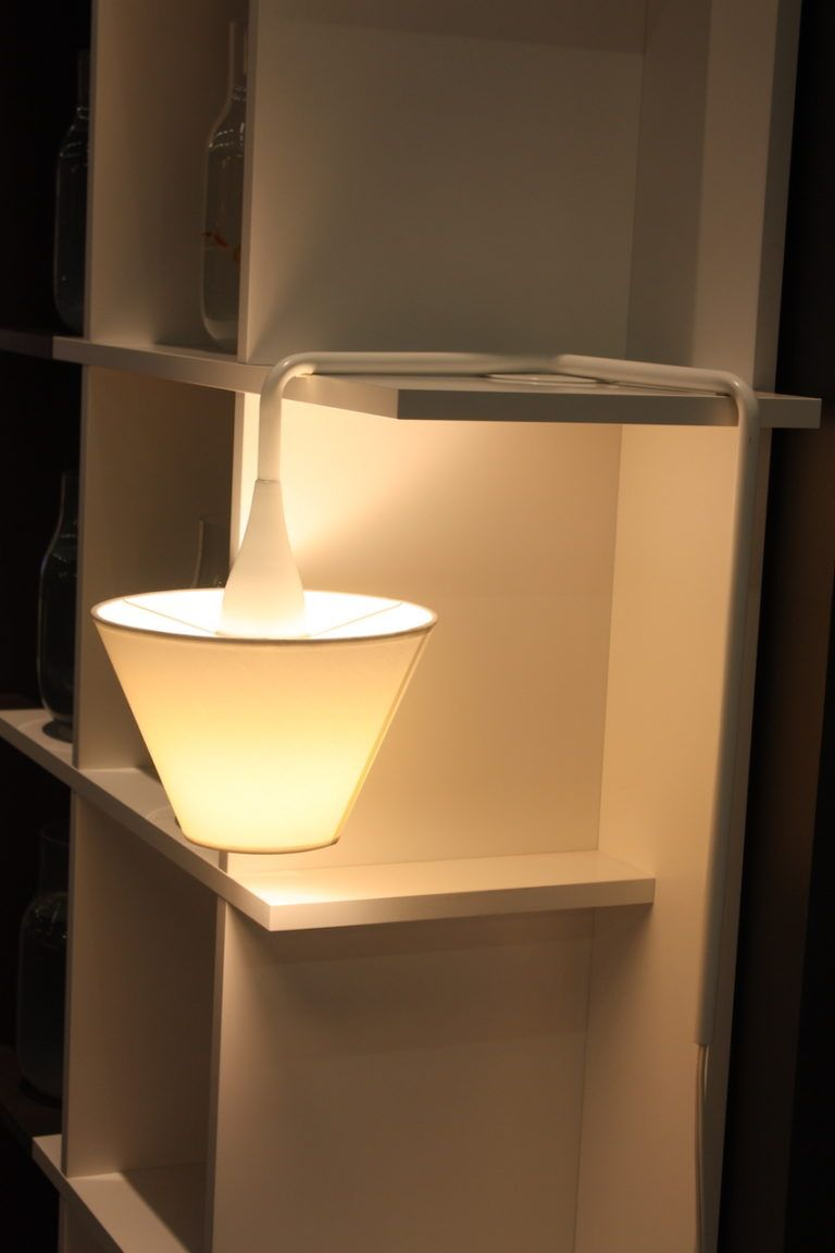 It's a cool design for solving the corner lighting problem.