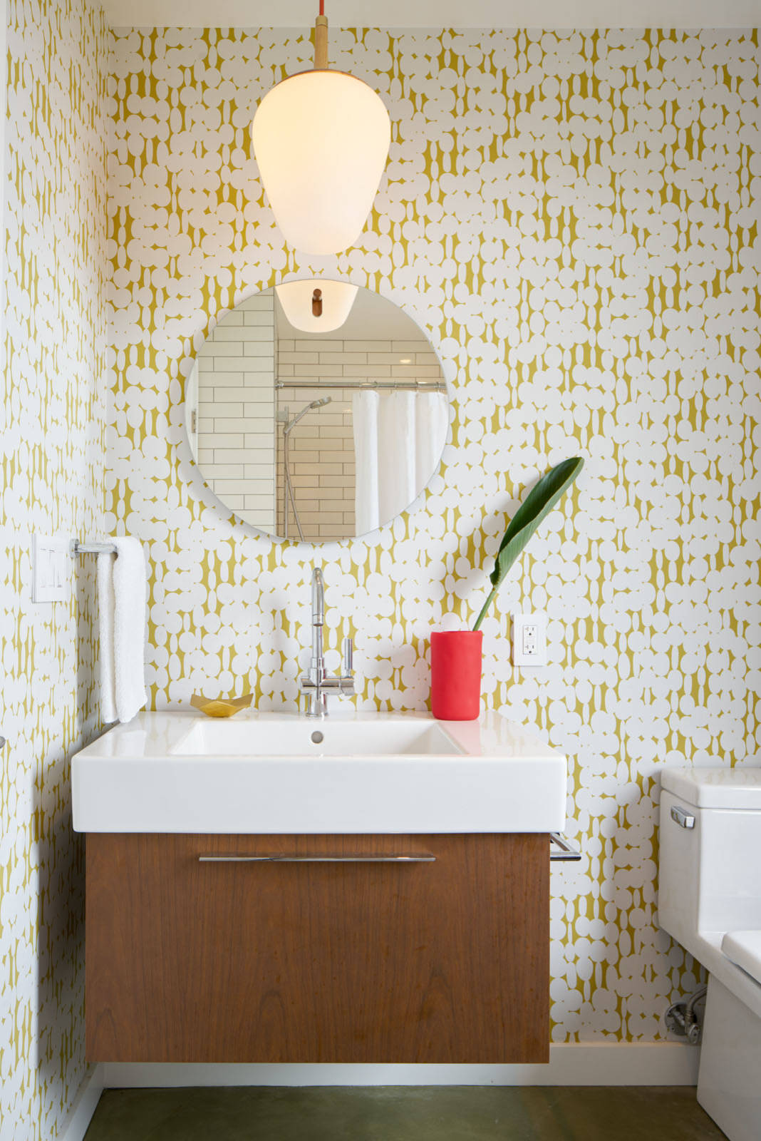 how to choose wallpaper for bathroom