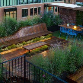 Modern rooftop deck garden
