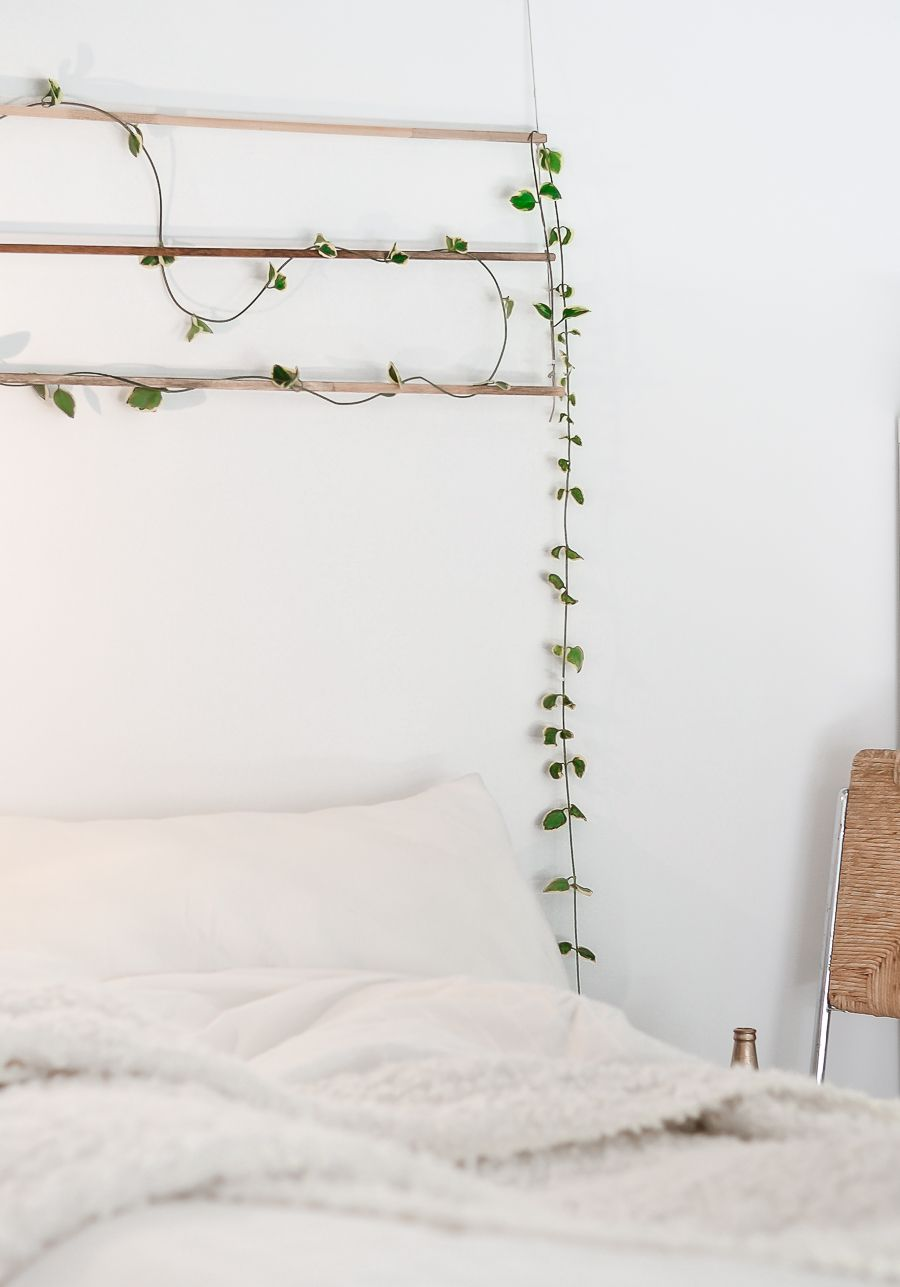 Easy to craft wall hangings for homes with personality for Hang bed from wall