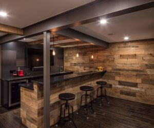 Attirant 12 Essential Elements For Your Basement Bar