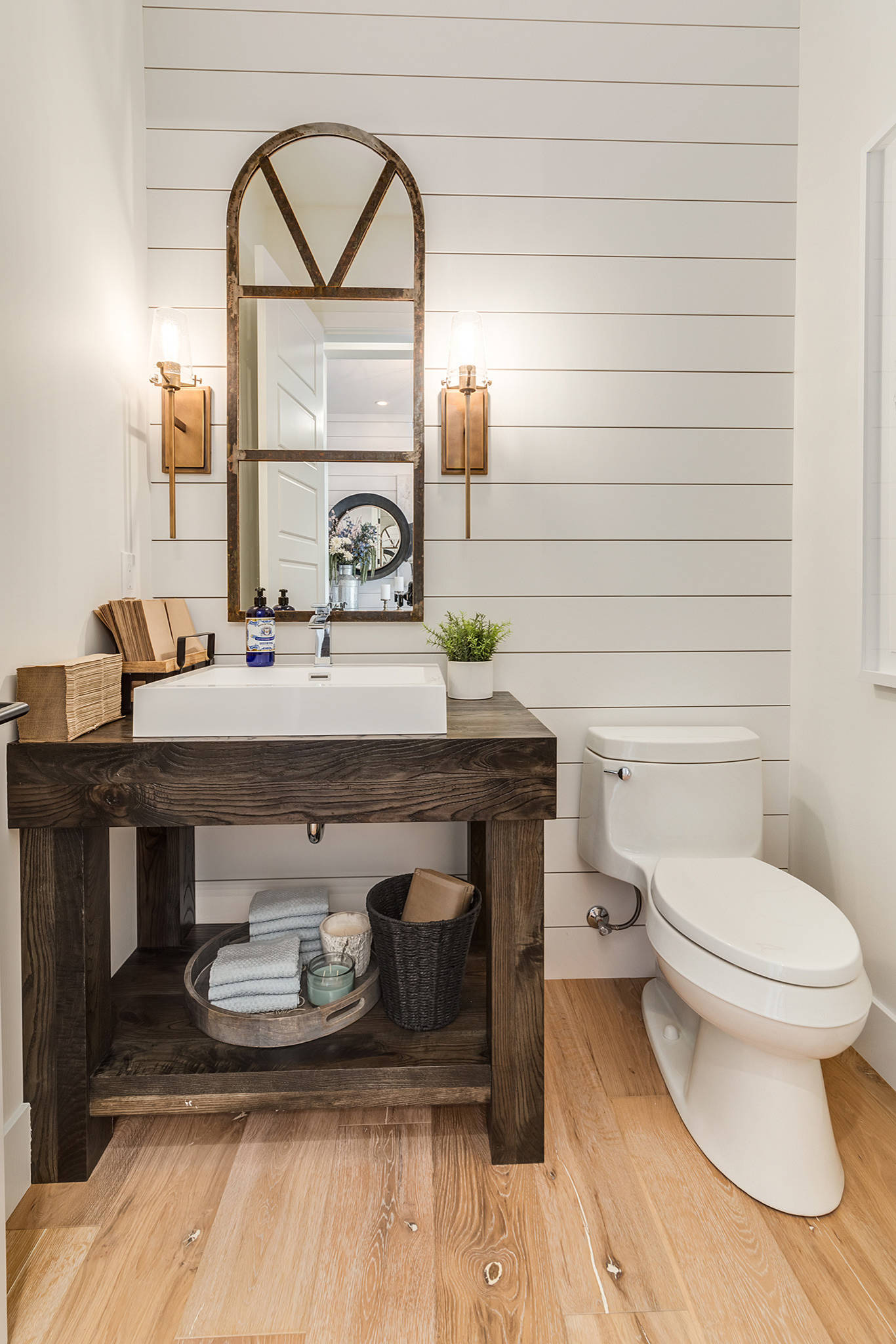 5 reasons to put shiplap walls in every room for Bathrooms in style