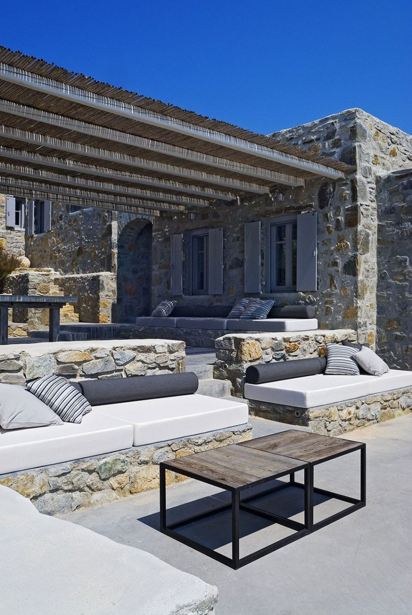 cool concrete patio designs and the houses they complement - Modulares Outdoor Sofa Island