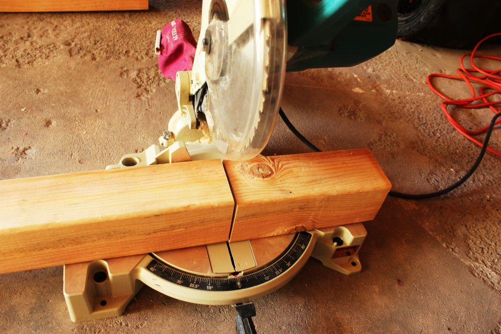 Use a miter saw to cut your 4x4 precisely