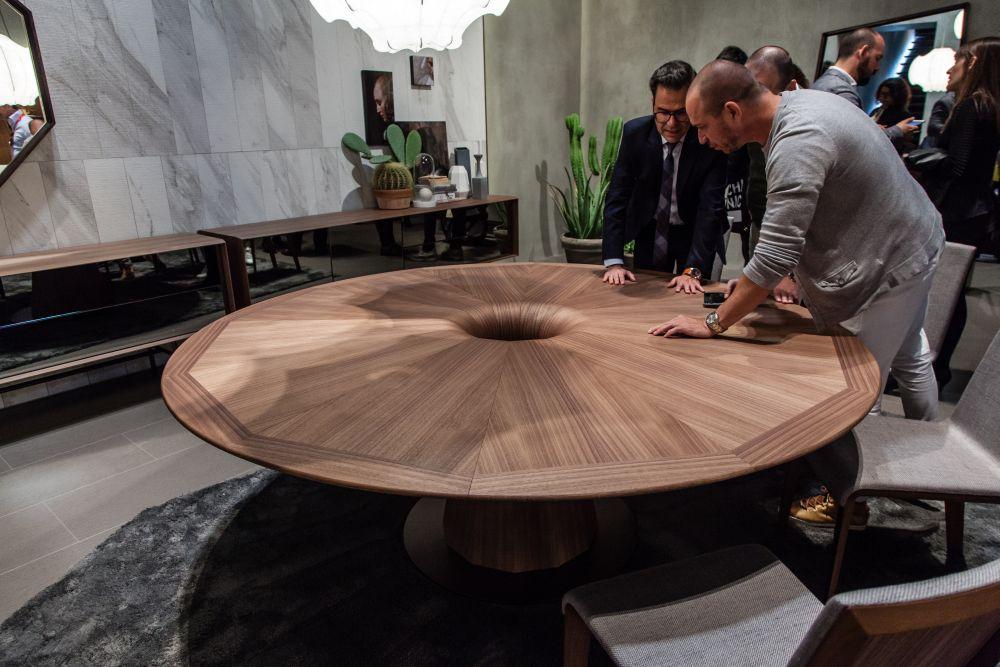 Walnut Furniture - Round table in canaletta walnut Fuji