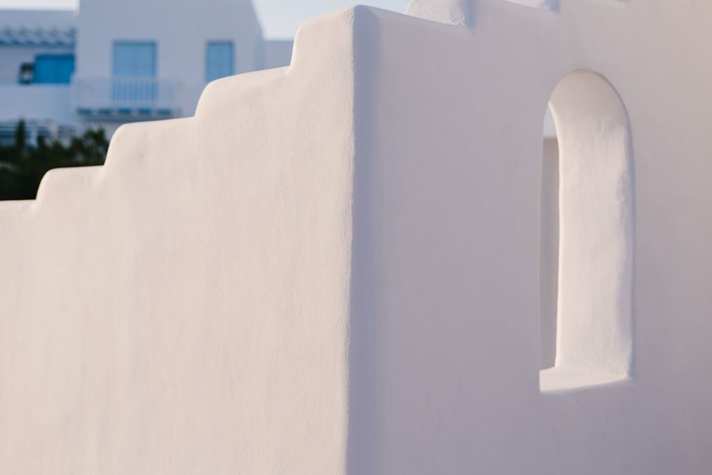 The white architecture conveys serenity.