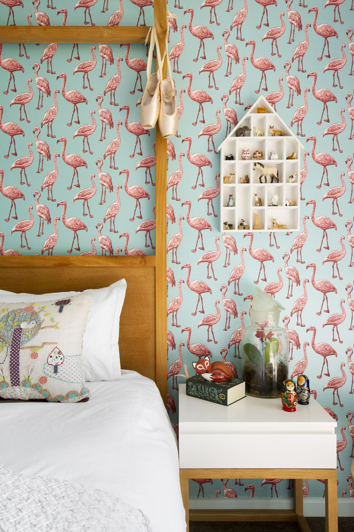 In the children's bedrooms the decor is more colorful and full of playful decor elements