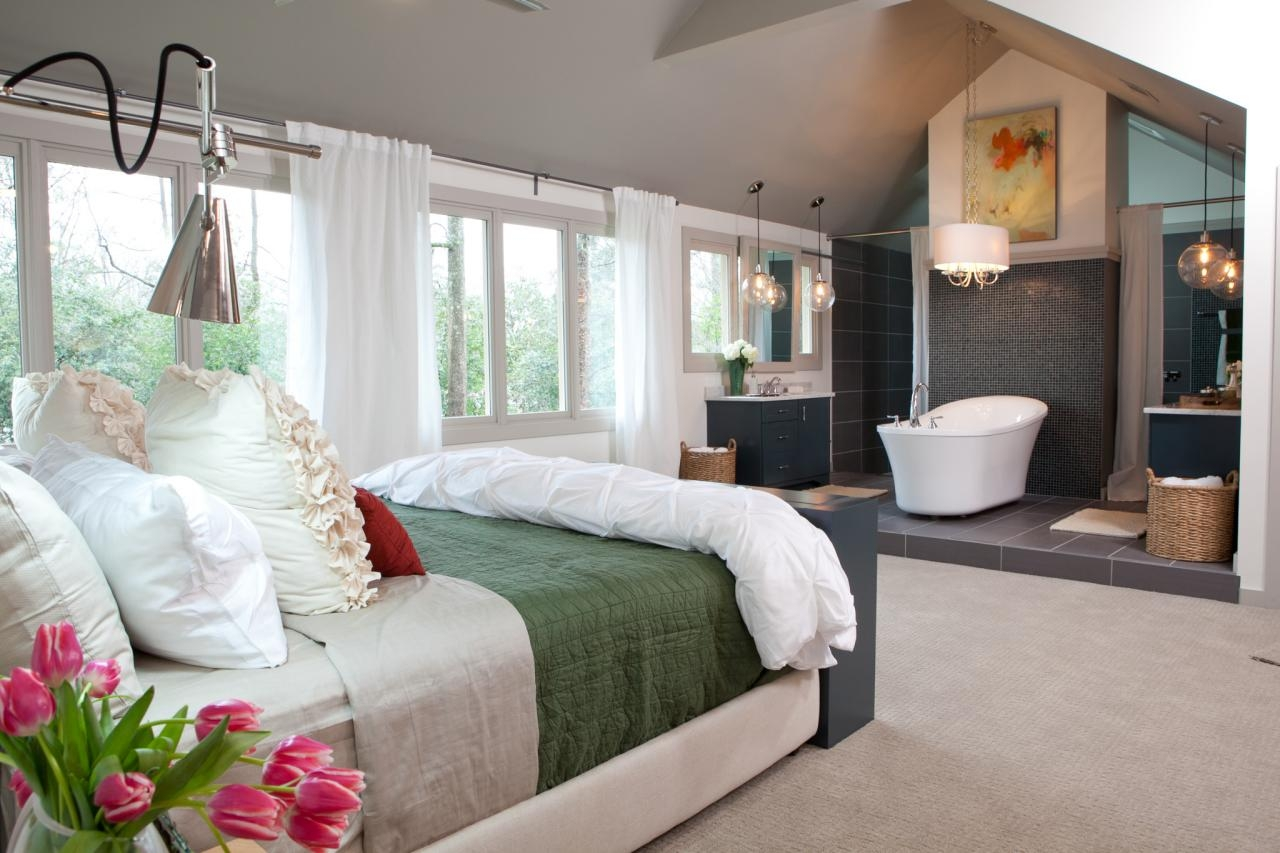 How To Make The Most Of Your Attic Master Bedroom: bathroom design in master bedroom
