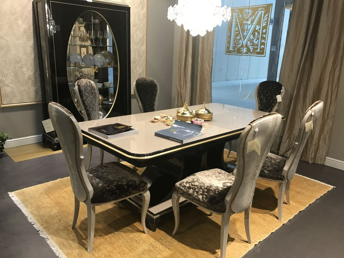 crystal dining room for luxurious impression. The Crystal Chandelier Is Compact And Contemporary. Dining Room For Luxurious Impression D